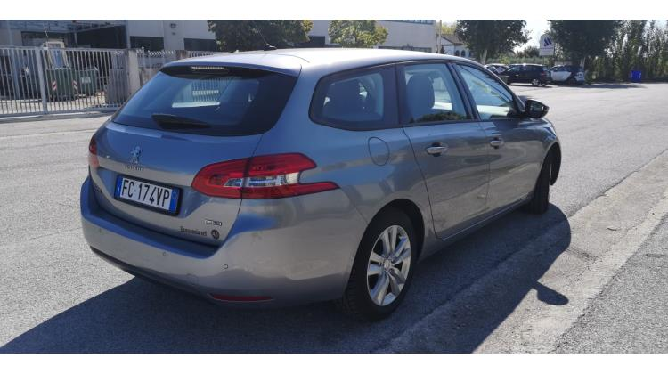 Peugeot 308 1.6 Blue- Hdi Business- Line Station Wagon